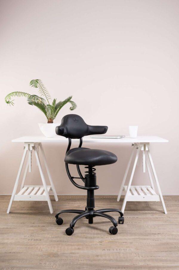 Pisarniški stol Explorer v črni barvi