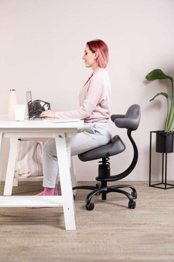 Punca sedi za pisalno mizo na pisarniškem stolu Explorer